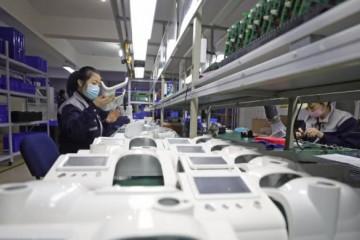 我国十天向国外供给1700多台呼吸机已签订单2万台